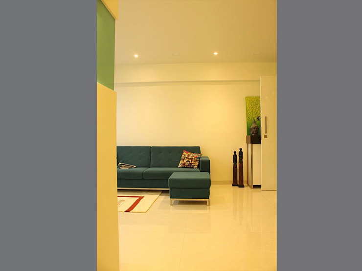 s k designs - contemporary residence in Kandivali Living room by S K Designs