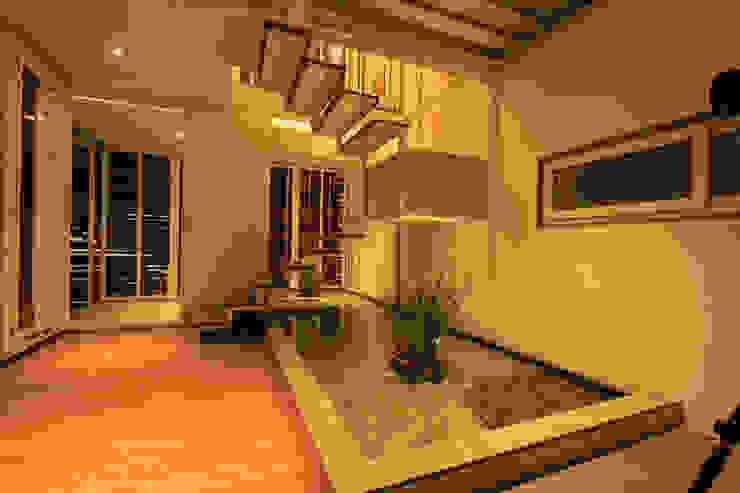M - HOUSE: modern  by Technoarchitecture.inc,Modern