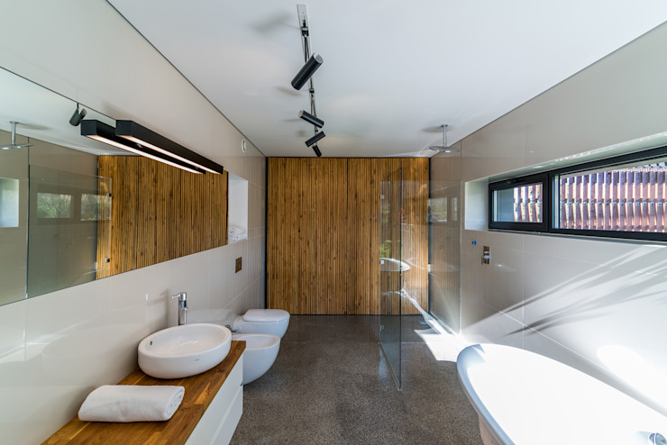 KROPKA STUDIO'S PROJECT Modern style bathrooms by Kropka Studio Modern