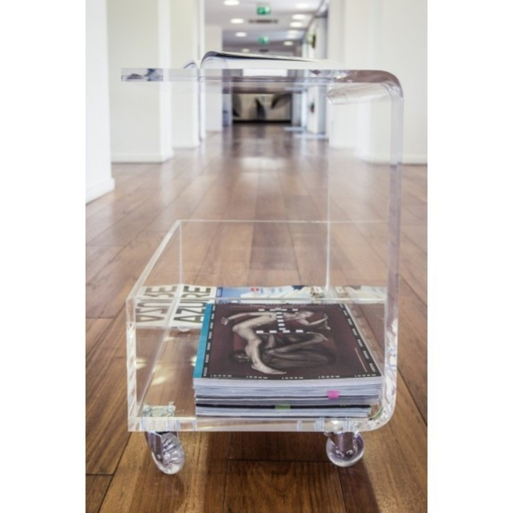 Tavolino portariviste di Designtrasparente Moderno