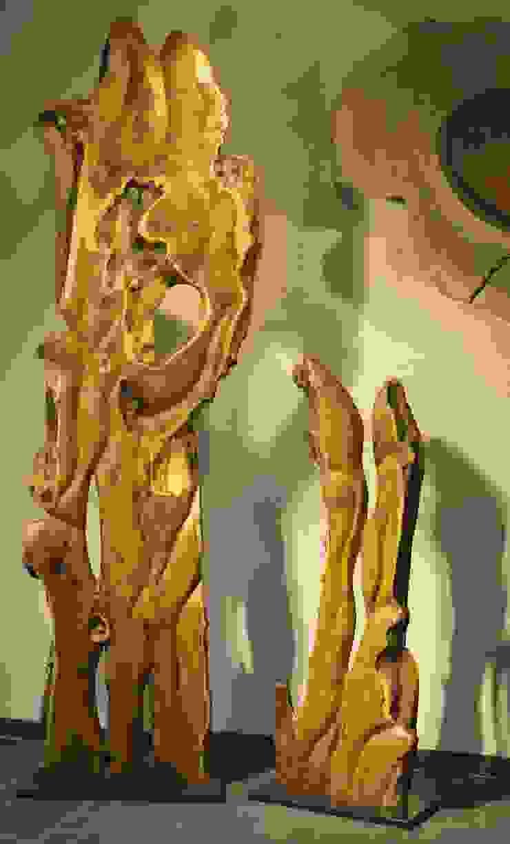 Eibenstelen von Der Holzkünstler Thomas Schwarz