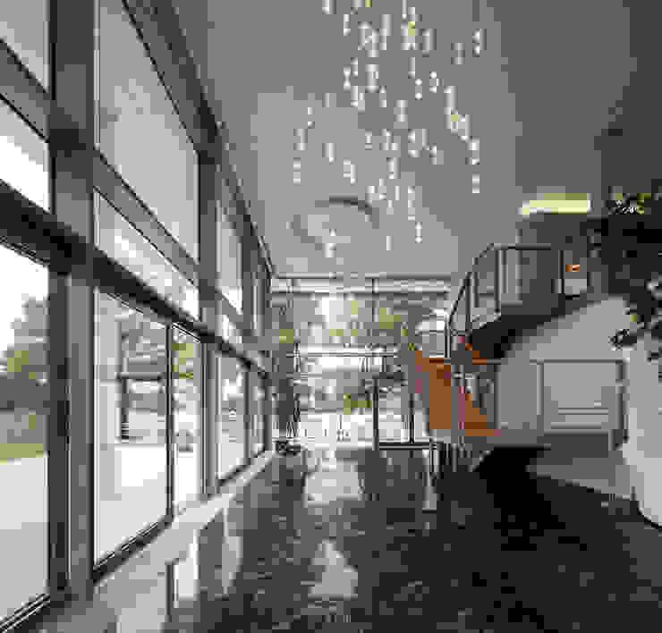 Geschäfts- und Wohnhaus in Magdeburg von Schüco International KG