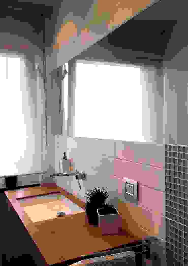 Casa LP Case moderne di chiarapice studio Moderno