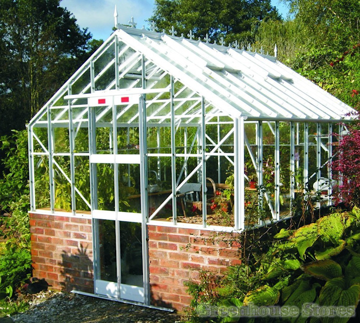 Elite Thyme Dwarf Wall 8ft Wide Greenhouse: modern  von homify,Modern