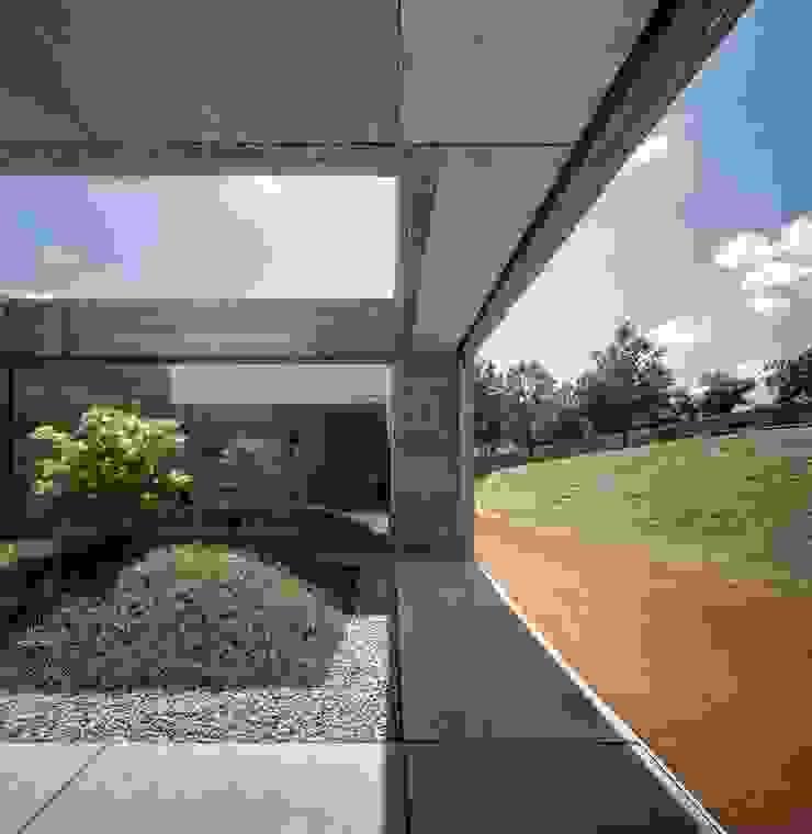 Casa Sambade Jardins modernos por spaceworkers® Moderno