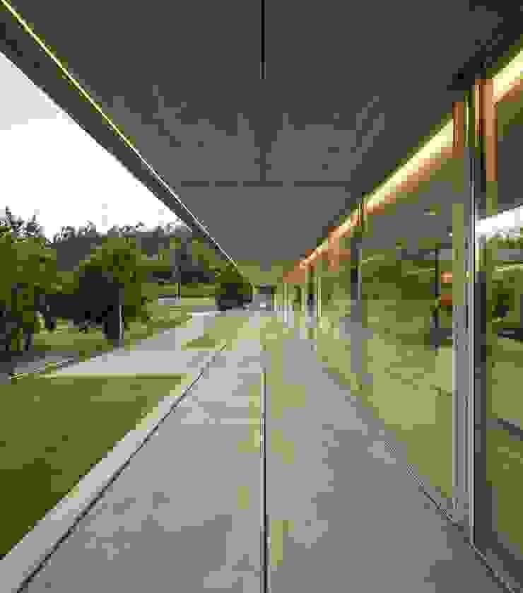 Casa Sambade Varandas, alpendres e terraços modernos por spaceworkers® Moderno