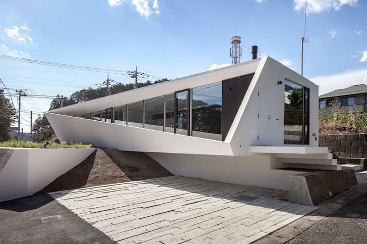 crossing point Rumah Modern Oleh 後藤武建築設計事務所 Modern