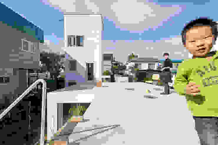 KUMAGAI HOUSE: hiroshi kuno + associatesが手掛けた家です。,ミニマル