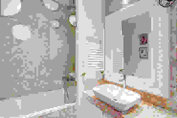 ห้องน้ำ โดย MOB ARCHITECTS,