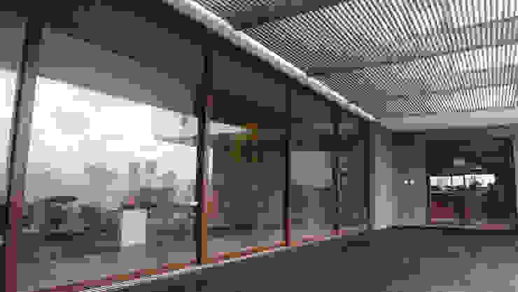 Modern Terrace by ze|arquitectura Modern