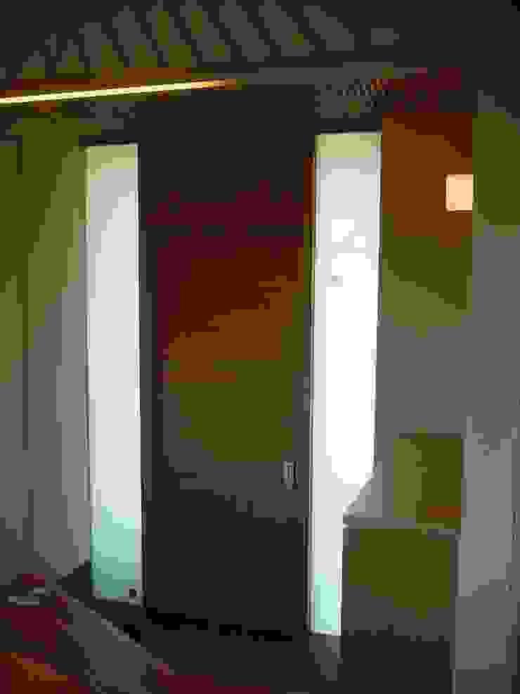 Modern Windows and Doors by 牧野建築計画 Modern