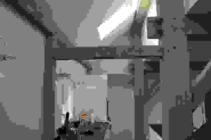 Verbouw stal bij boerderij Moderne keukens van Architectenbureau Jules Zwijsen Modern