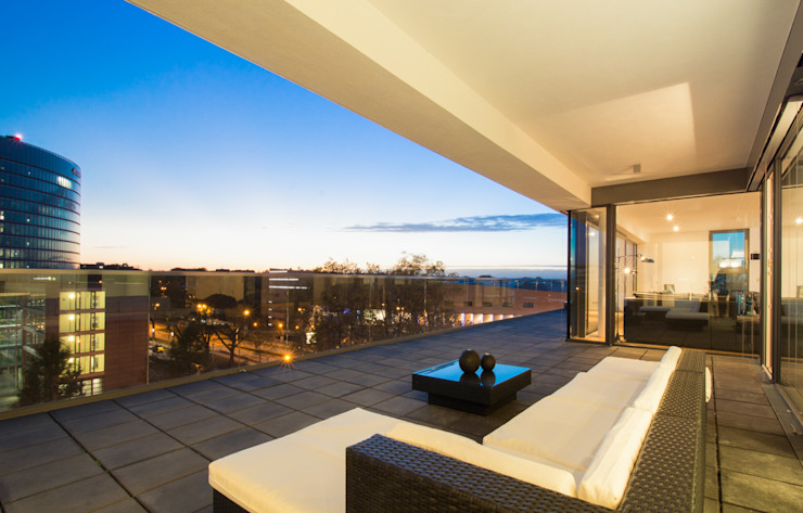Terrasse: modern  von Luna Homestaging,Modern