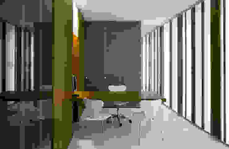 mobiliario Estudios y despachos de estilo moderno de Arquitectura e Interiorismo en Cadiz Moderno