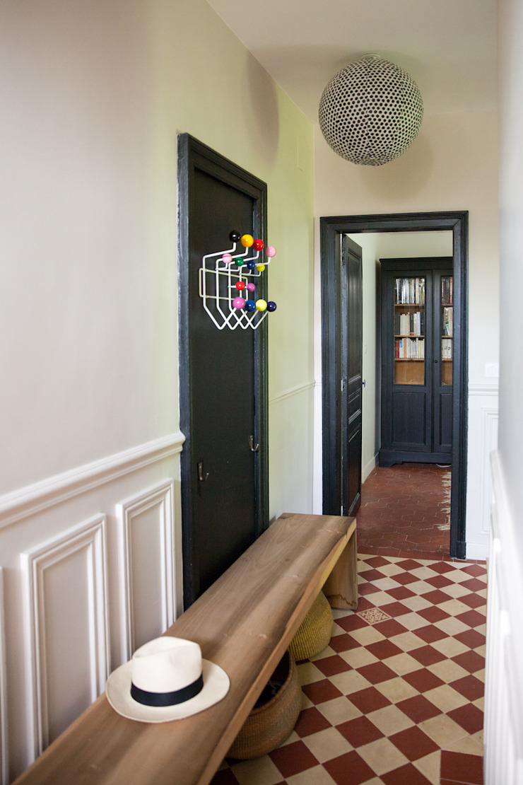 mllm Eclectic style corridor, hallway & stairs