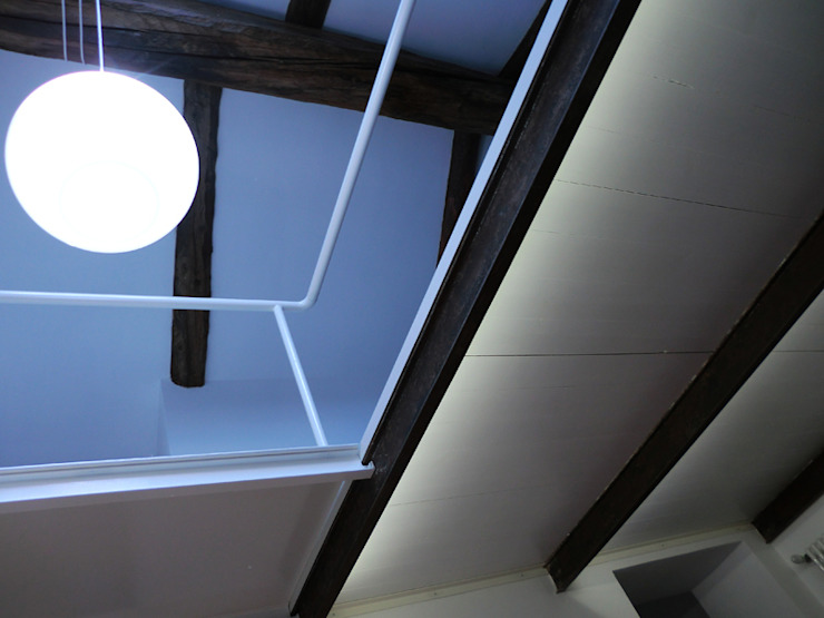 Minimalistische Häuser von Di Origine Progettuale DOParchitetti Minimalistisch