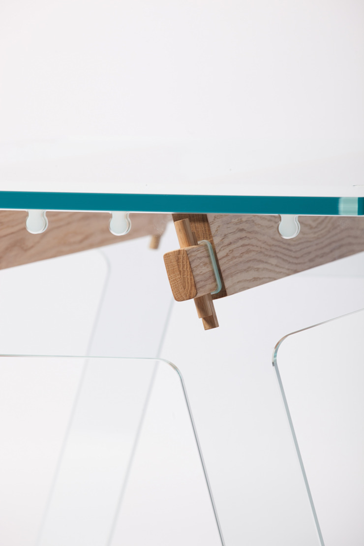 the LADUZ table van PeLiDesign Industrieel