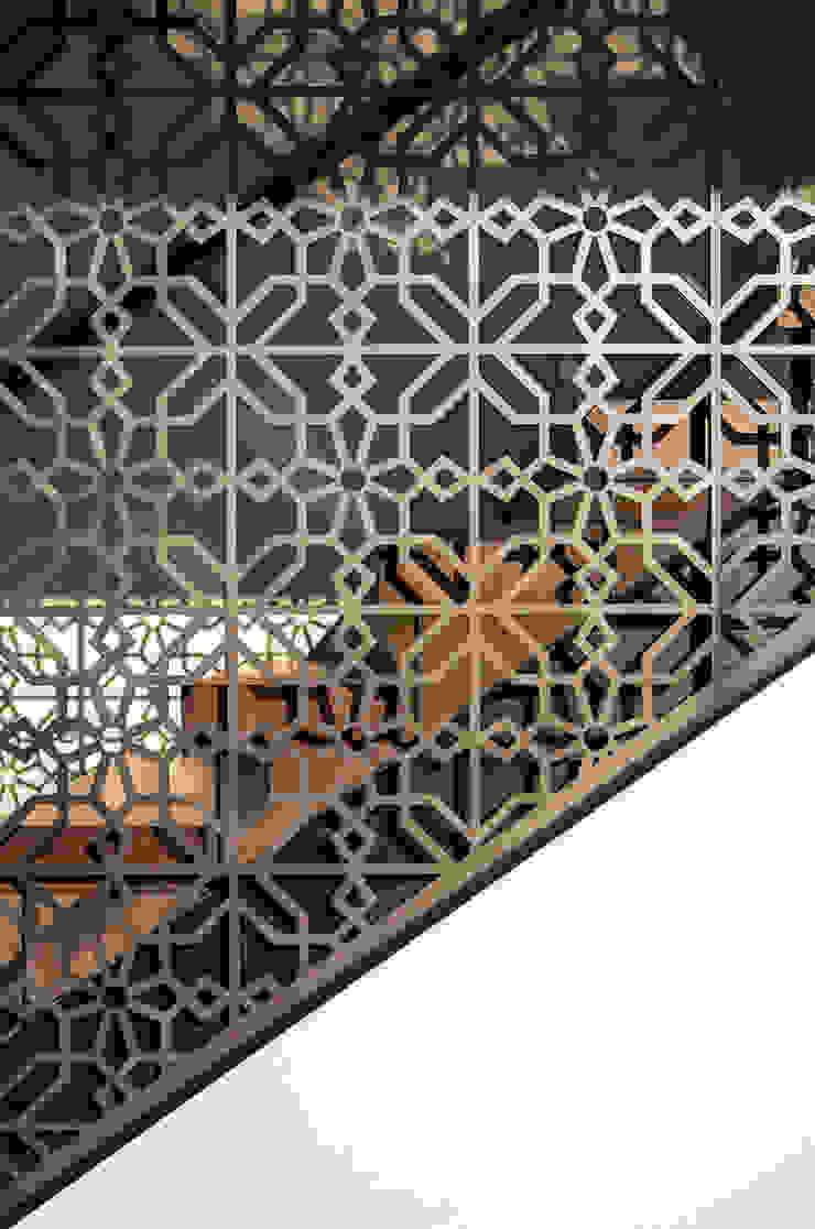 Godden Cres Modern corridor, hallway & stairs by Dorrington Atcheson Architects Modern