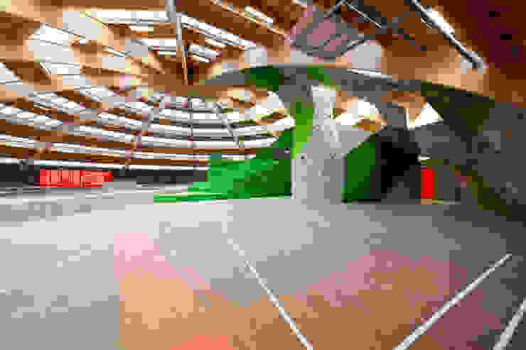 StreetDome Moderne fitnessruimtes van CEBRA Modern