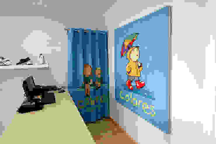 Cortina y Cuadro Oficinas y tiendas de estilo ecléctico de PREGON.net Ecléctico