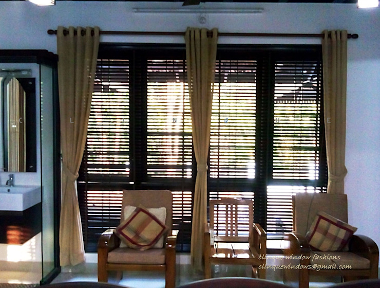 Wooden Blinds with Linen Fabric Curtains: asian  by Clinque window blind systems,Asian