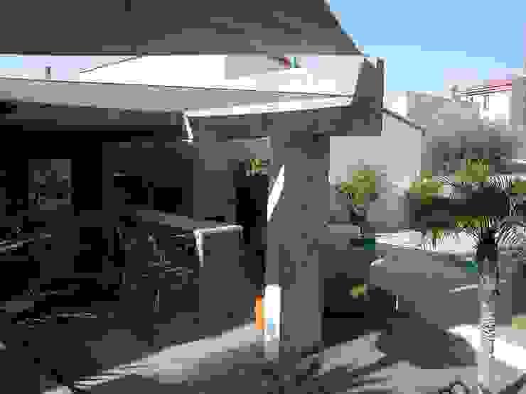Pool House par Suzanne Mingueza Méditerranéen