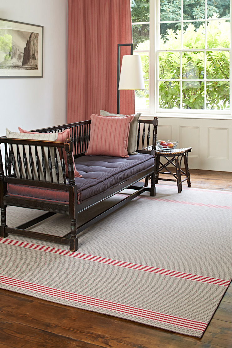 Roger Oates Bespoke Rugs Classic style living room by Roger Oates Design Classic