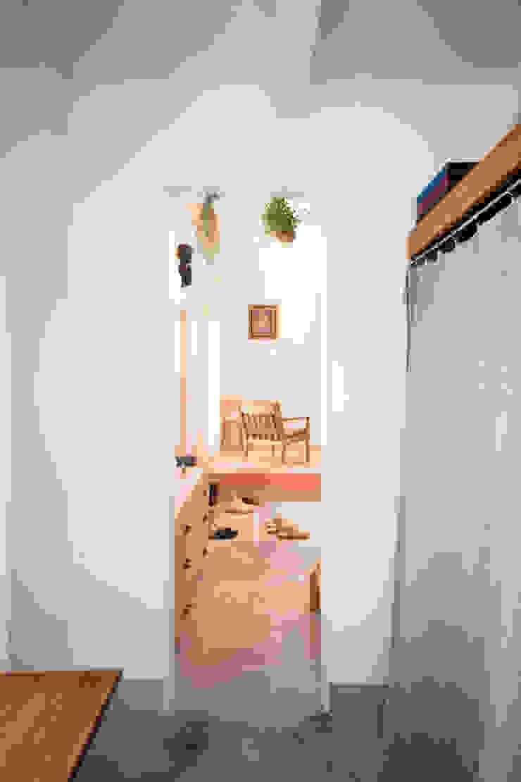 Baños de estilo escandinavo de straight design lab Escandinavo
