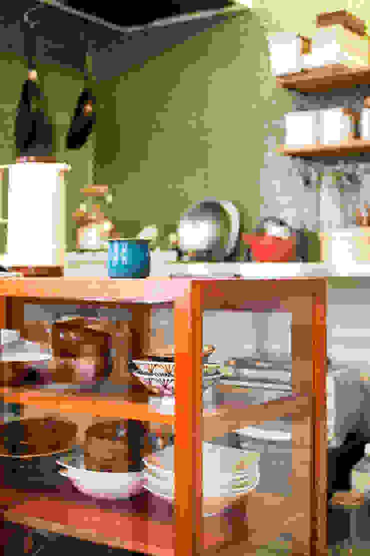 Cocinas de estilo escandinavo de straight design lab Escandinavo