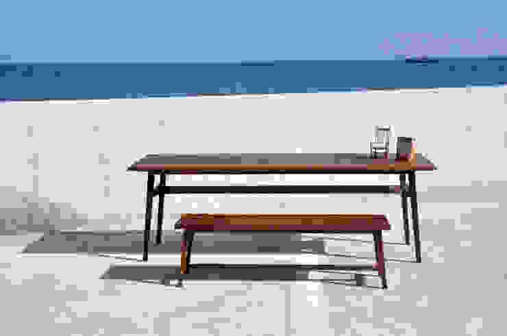 TWIN TABLE: SSOOZE 0.1의 현대 ,모던