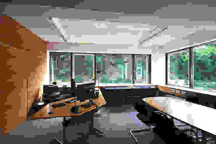 FINET AG – INTERIORDESIGN U. MIETERAUSBAU: modern  von Althaus Architekten BDA - Ludwig & Christopher Althaus, Dipl.-Ing. Architekten,Modern