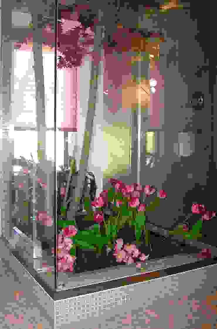 serra - doccia di Gianni Maria Giaccone