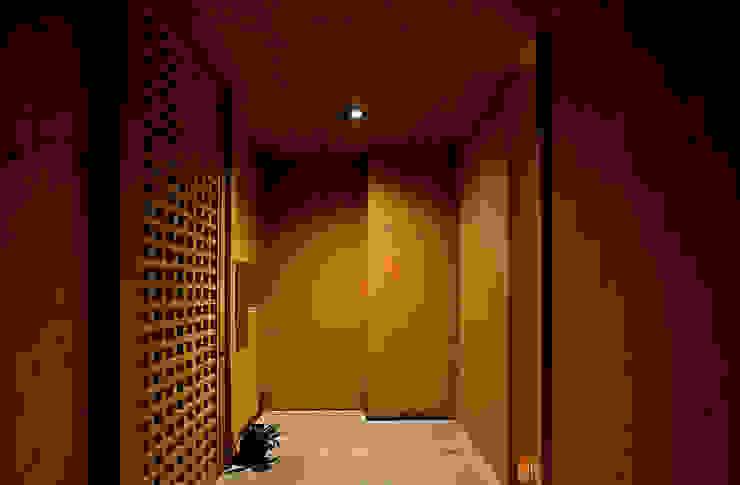 野口修アーキテクツアトリエ Eclectic style living room