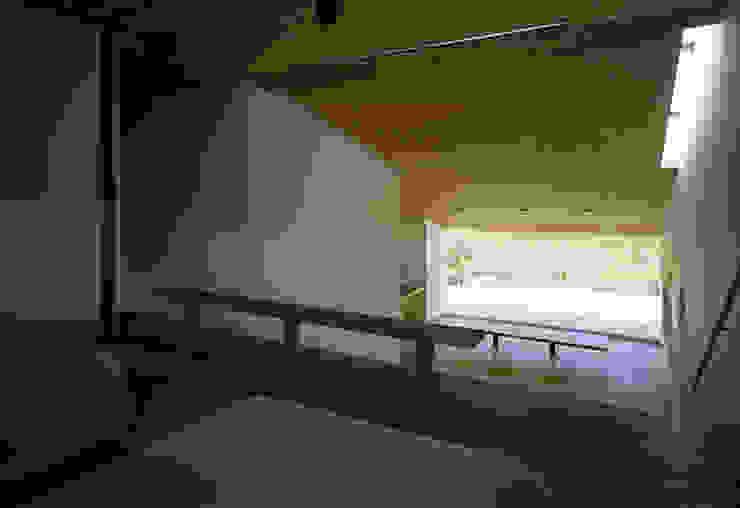 鋸南の家 モダンデザインの リビング の 石井秀樹建築設計事務所 モダン