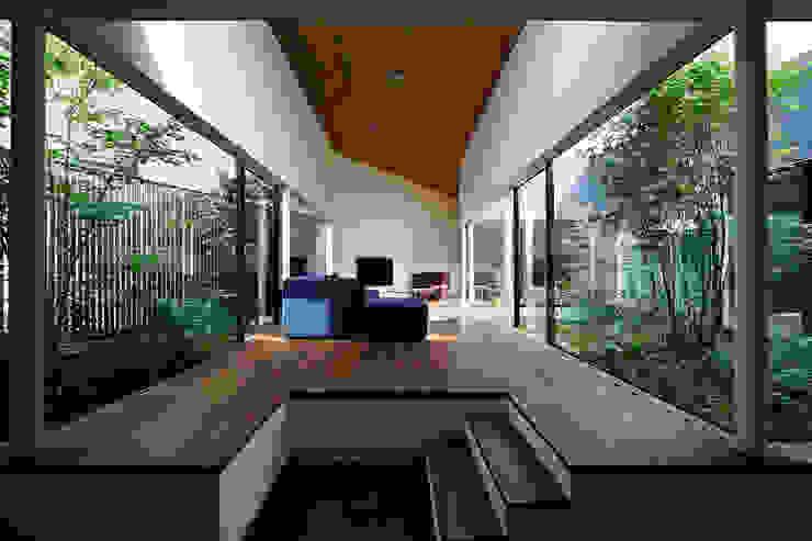 東村山の家 石井秀樹建築設計事務所 モダンデザインの リビング