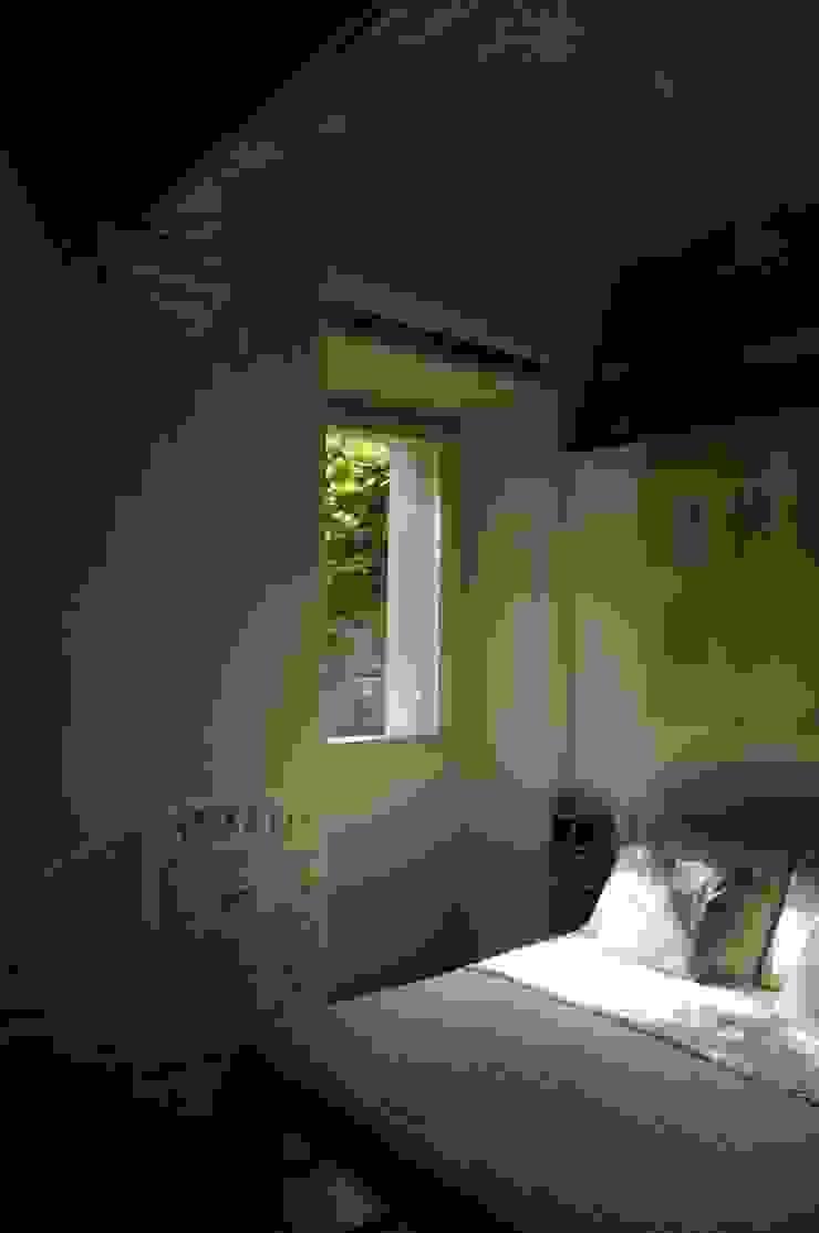 Restauro di un piccolo appartamento di origine conventuale di Zoli Gian Luca Eclettico