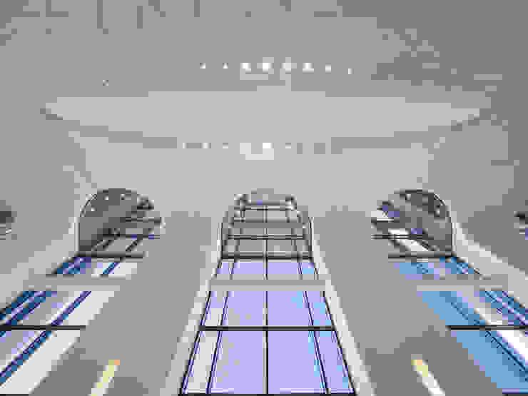 by Baierl & Demmelhuber Innenausbau GmbH Eclectic