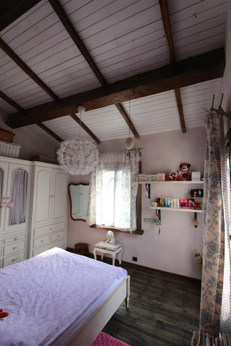 Provence Villa in İstanbul Country style nursery/kids room by Orkun İndere Interiors Country