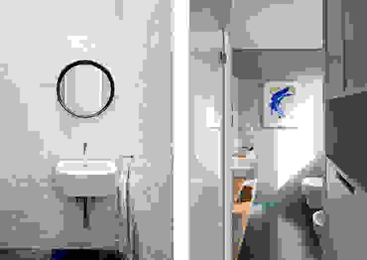 Baños Casas de estilo moderno de ACABADOMATE Moderno