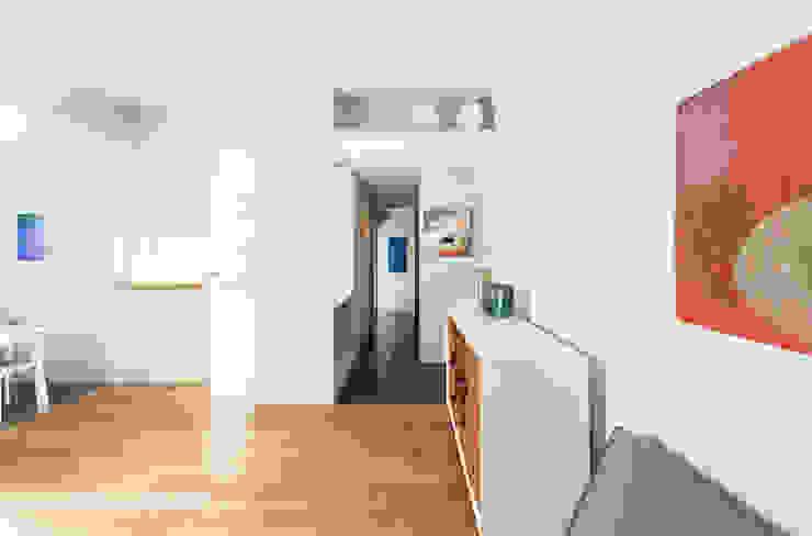 Salón comedor Casas de estilo moderno de ACABADOMATE Moderno