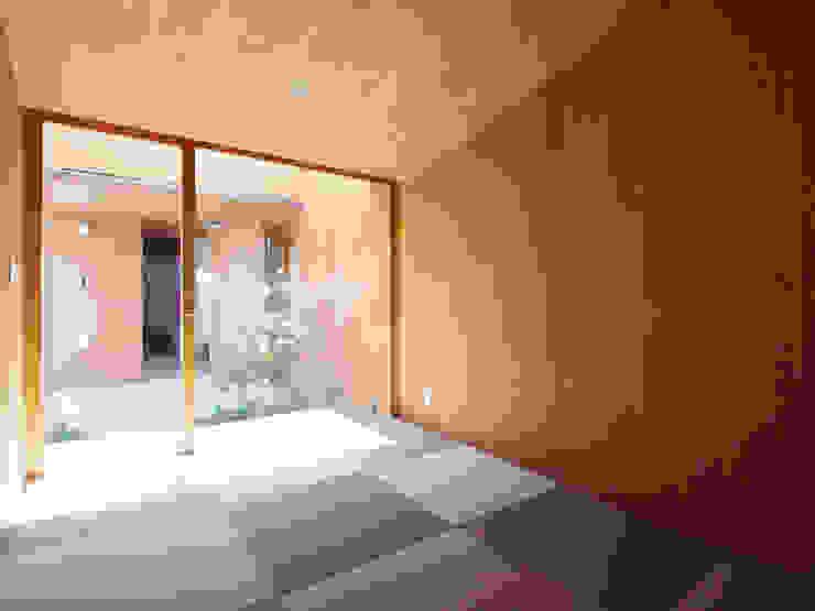 三本松の家 (House in Sanbonmatsu) 和風の 寝室 の 合同会社グラムデザイン一級建築士事務所 和風