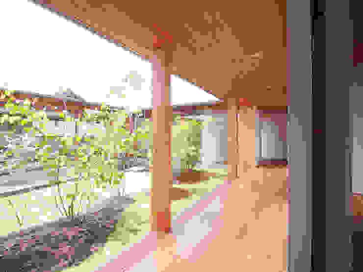 三本松の家 (House in Sanbonmatsu) モダンスタイルの 玄関&廊下&階段 の 合同会社グラムデザイン一級建築士事務所 モダン