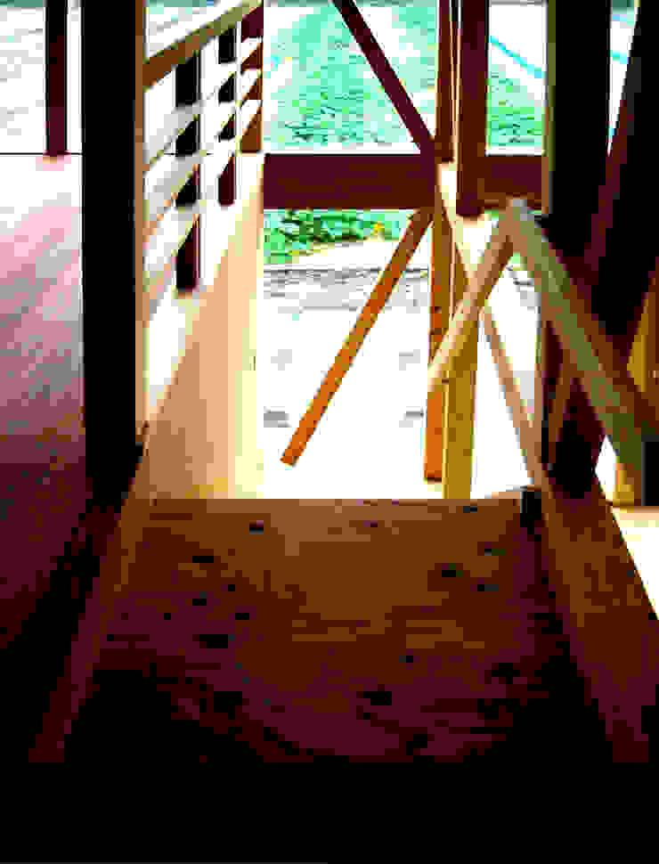 階段: URBAN GEARが手掛けた折衷的なです。,オリジナル
