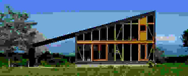 相良の家: URBAN GEARが手掛けた折衷的なです。,オリジナル