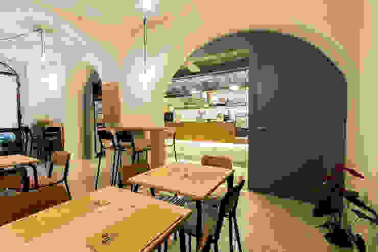 Poldo burger bar Gastronomia in stile industrial di Maranco Architetti Industrial