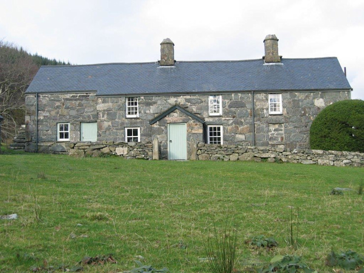 Welsh Farmhouse by Hackett Holland