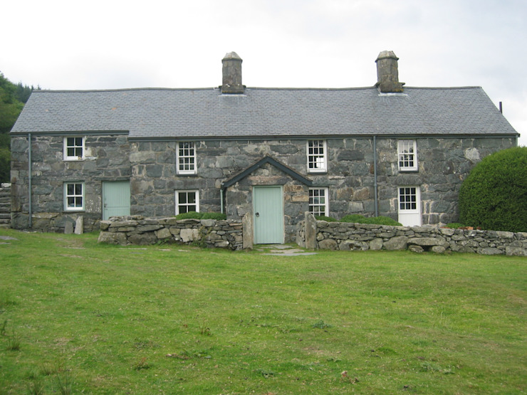 Welsh Farmhouse von Hackett Holland