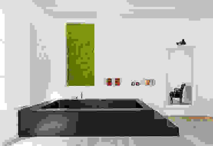 Bañera Casas de estilo moderno de ACABADOMATE Moderno