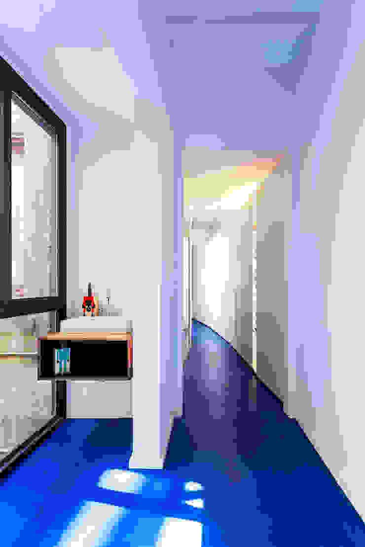 ACABADOMATE Moderne Häuser