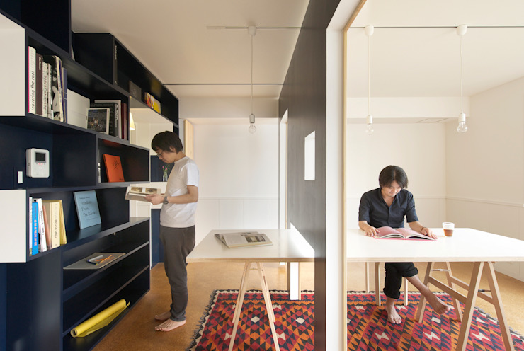 SWITCH apartment YUKO SHIBATA ARCHITECTS Escritórios modernos